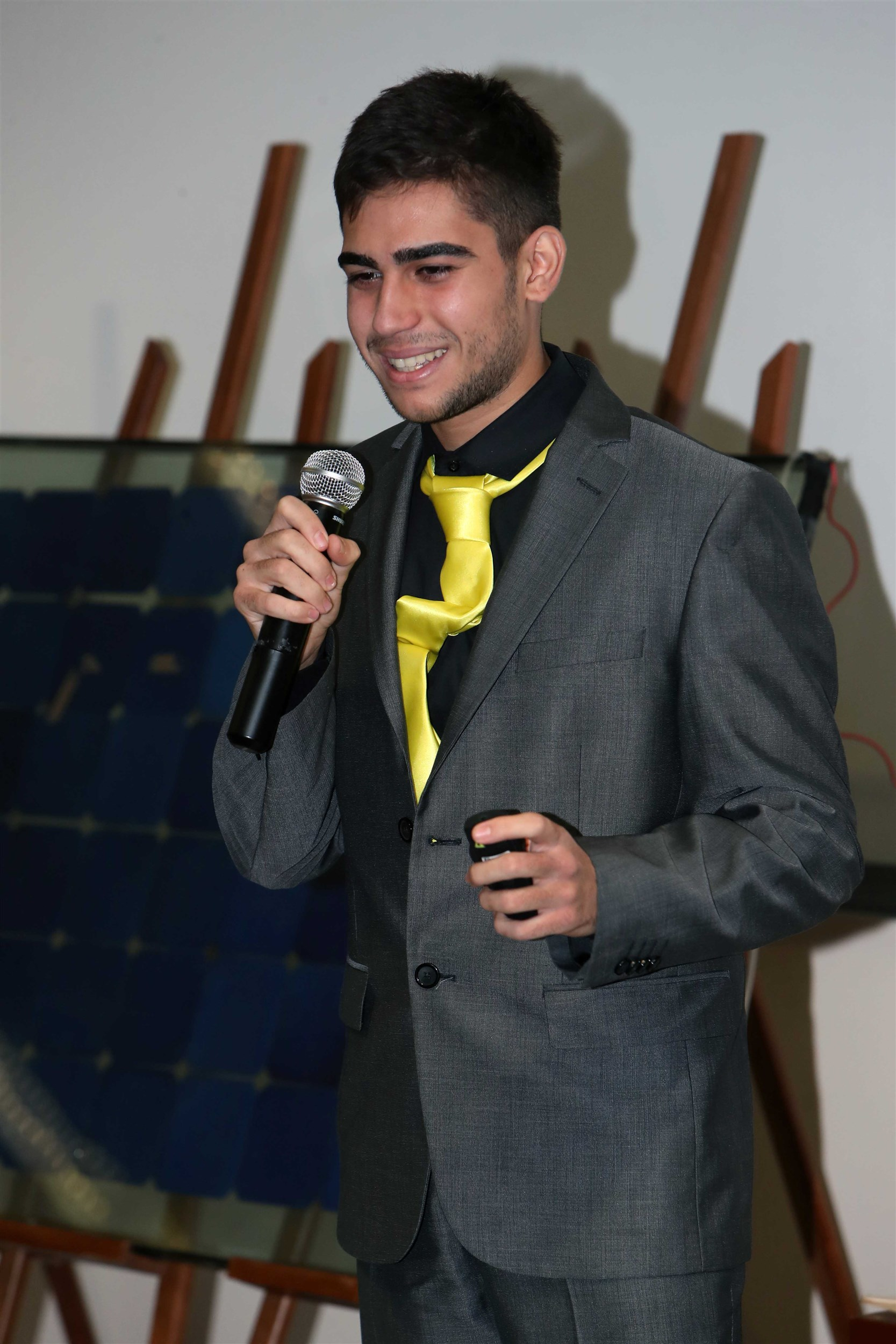 one of the participating students pitching his idea for the jury.