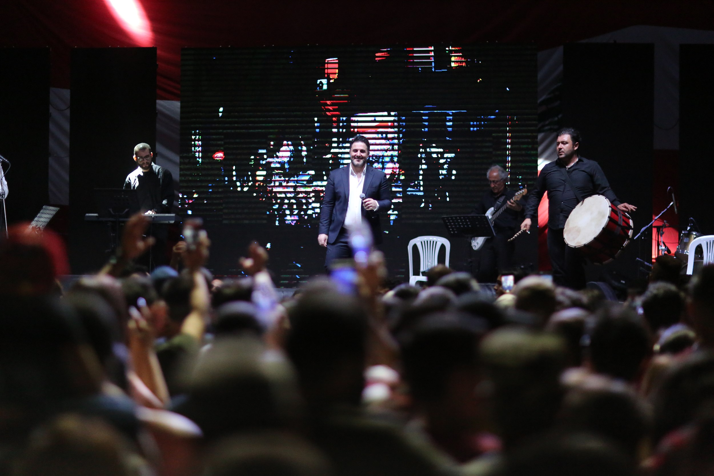 superstar melham zein performing at the sandouk el dounia festival in a 17,000m2 area filled with an audience of more than 14,000 people of children and their families.